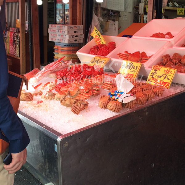【カニは年に3回以上購入】美味しいカニ鍋や蒸しガニで、冬は家族と団らん