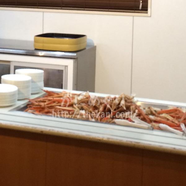 【家族みんなカニが大好き】ホテルのカニ食べ放題では子供たちが大喜び