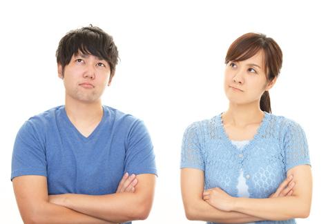 落胆する夫婦